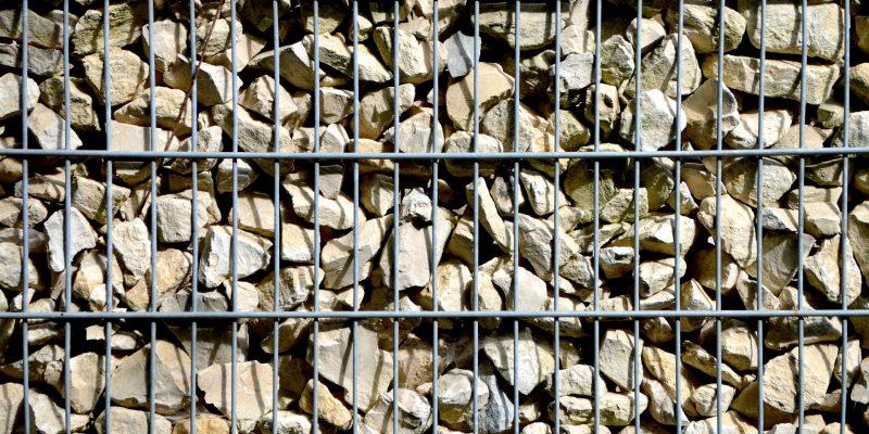 Pourquoi mettre en place un mur en gabion chez soi ?