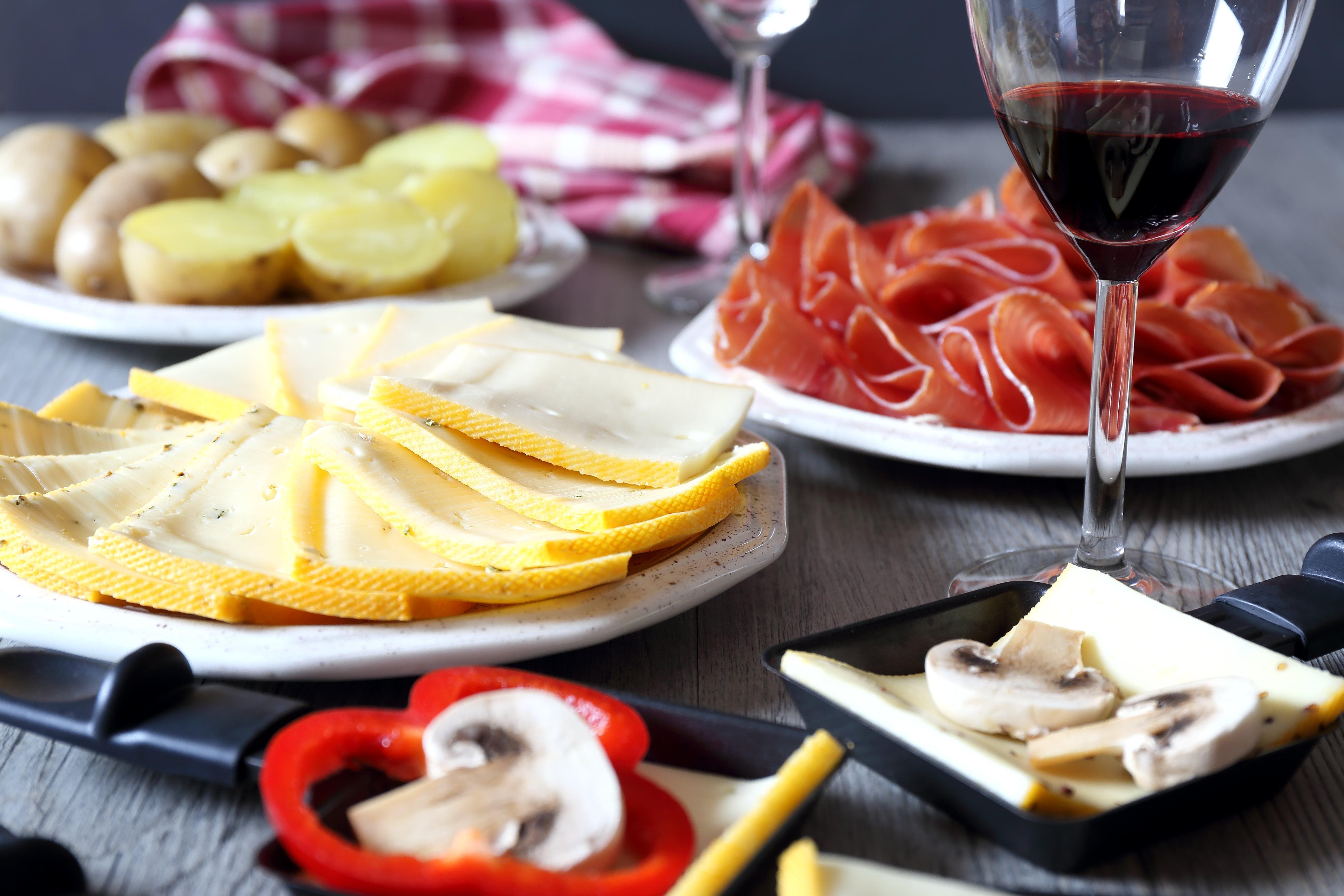 Quel vin rouge servir avec la raclette ? 1