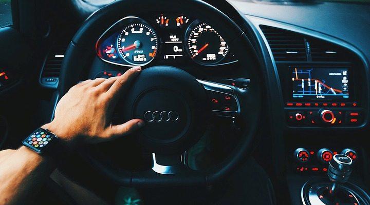 Adressez vous à un garage auto pour en savoir plus sur la voiture sans permis