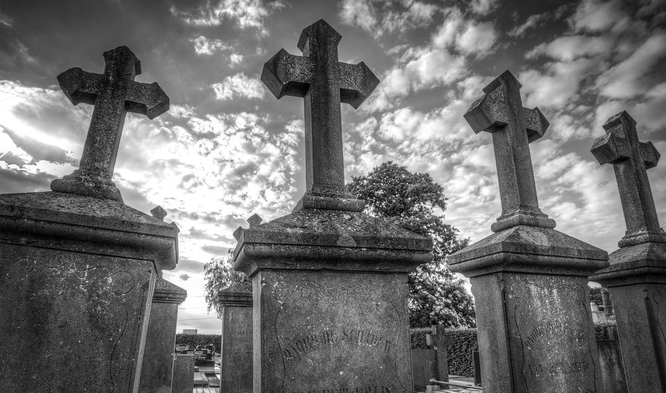 Comment choisir entre l'inhumation ou la crémation ? 1