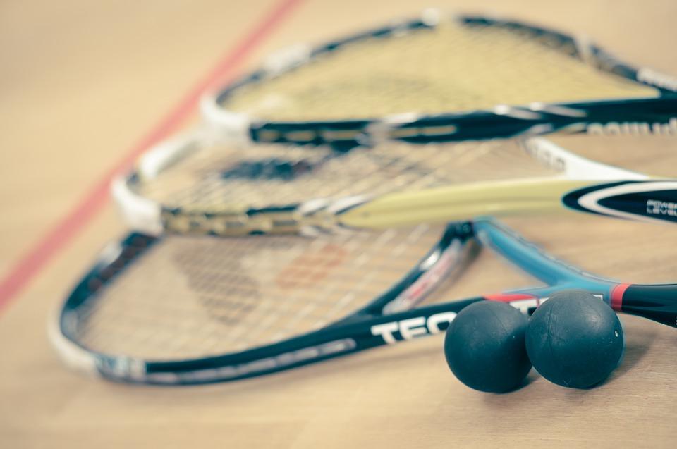 Rendez-vous dans une salle de sport pour une partie de squash 5
