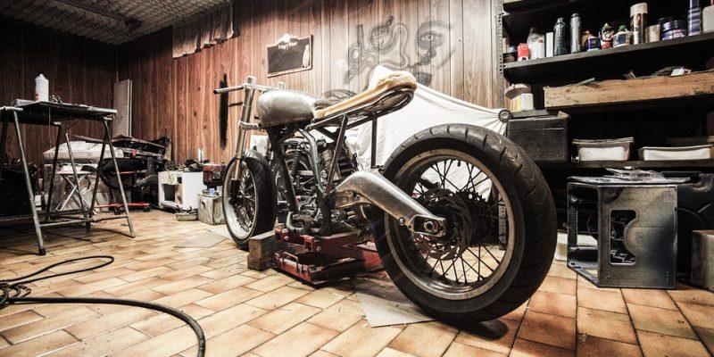 Comment choisir la bonne moto pour se lancer sur la route ?