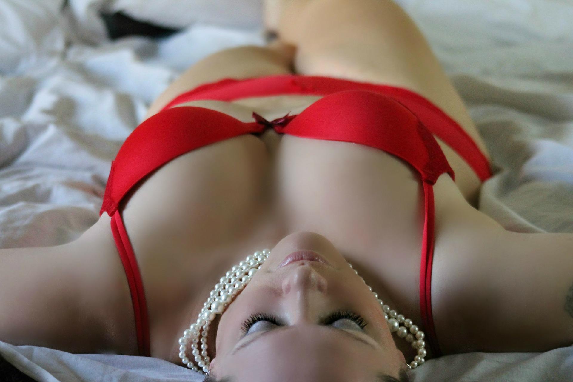 Choisir LA COULEUR de lingerie qui saura vous mettre en valeur 1