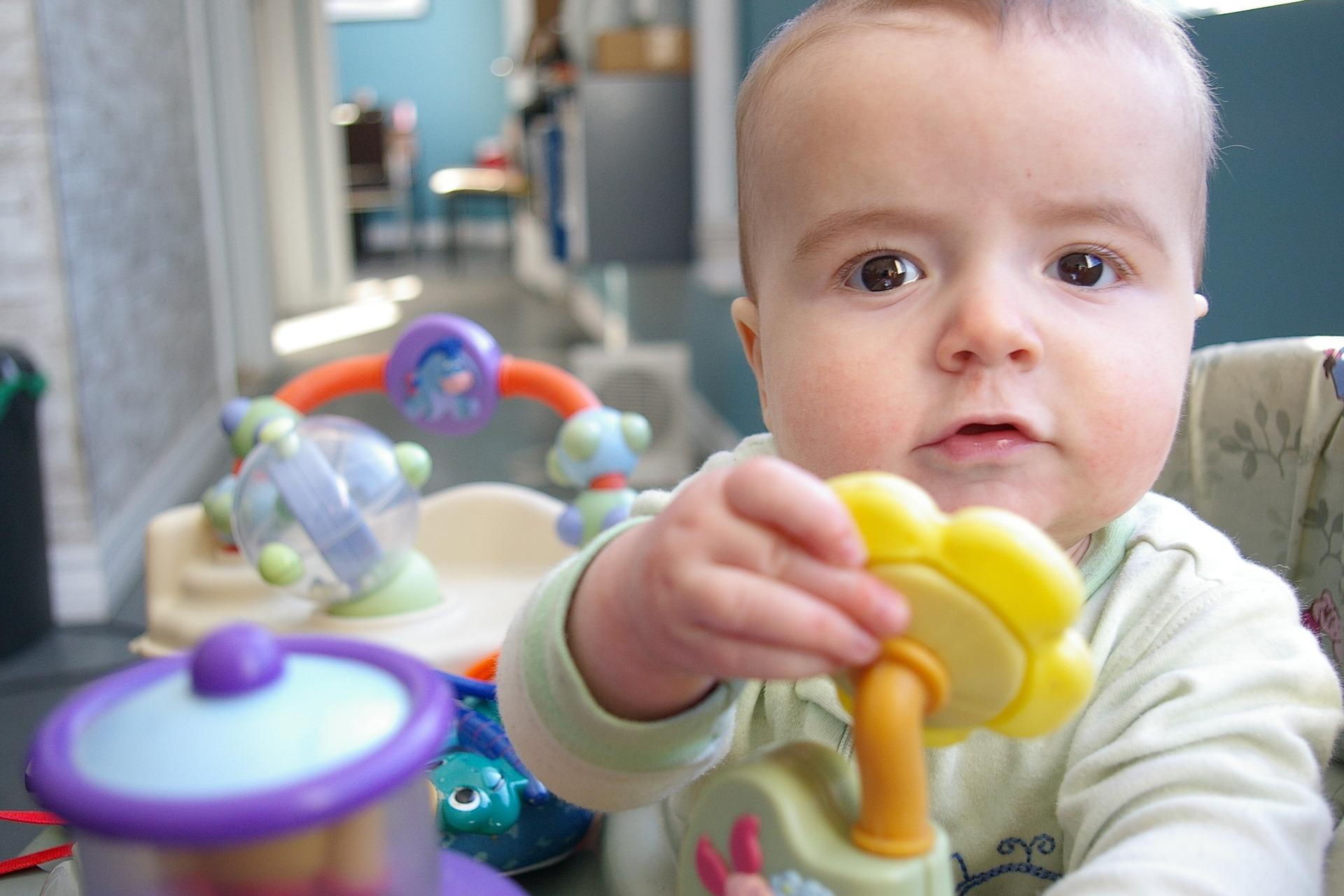 Tout ce qu'il faut savoir sur l'éveil de bébé